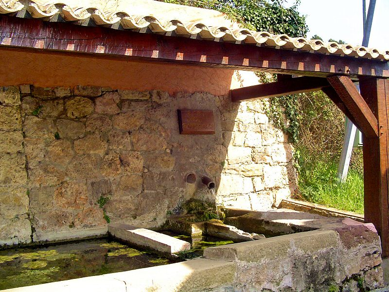 Le lavoir aux mille reflets - The washing place with thousand reflects