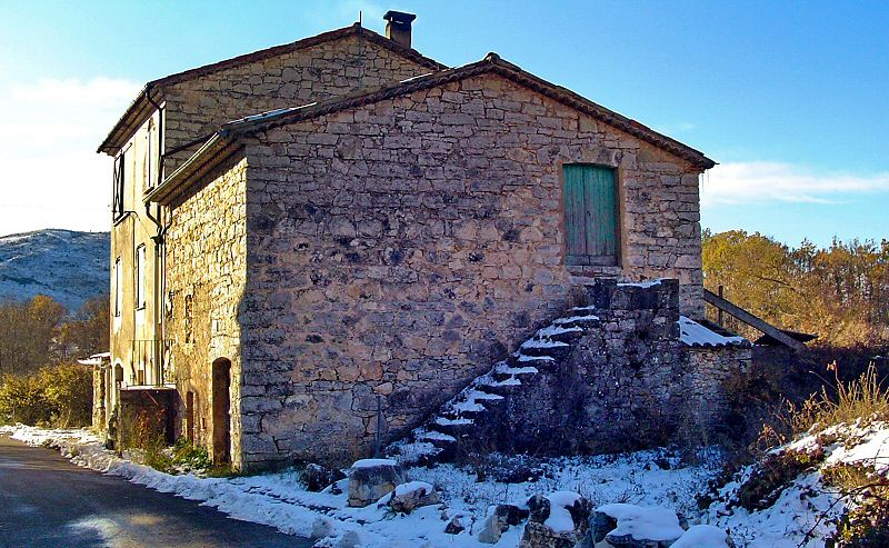 Maison typique du village - Typical house of the village