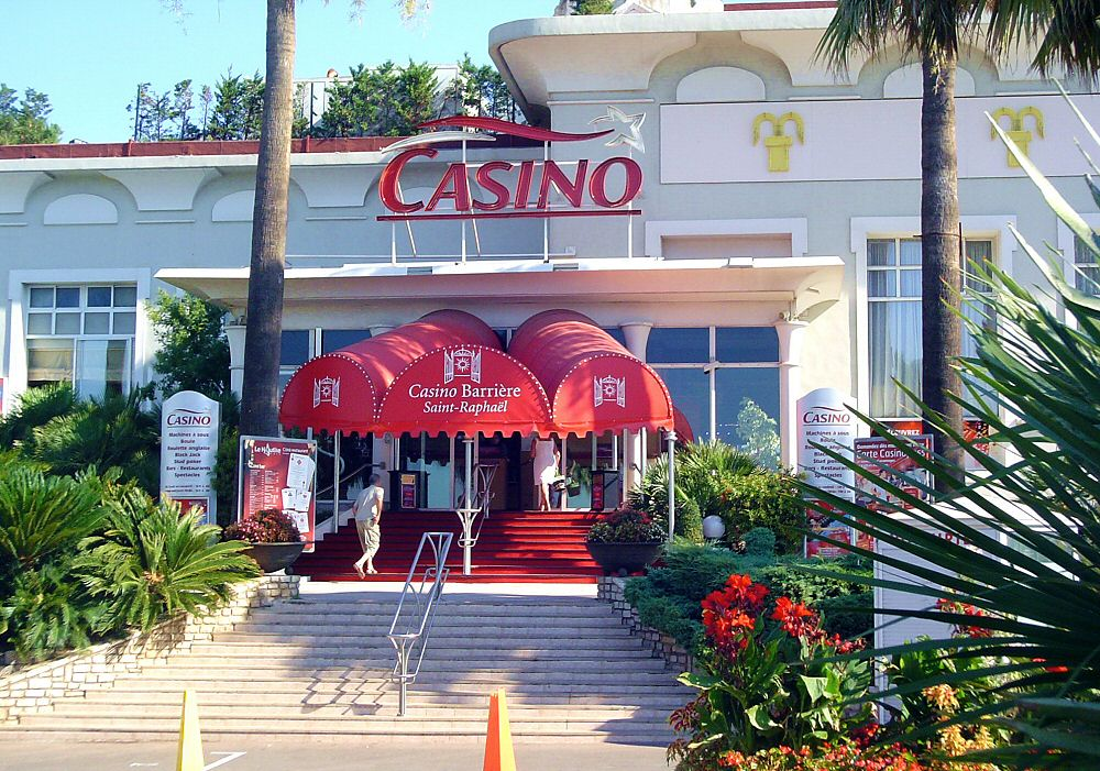 L entrée du Grand Casino - The entrance of the Grand Casino
